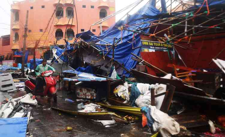 Le cyclone a tué au moins huit personnes dans l'est de l'Inde et une autre au Bangladesh. «Environ 160personnes ont été blessées à Puri», a précisé un responsable des secours à l'Agence France-Presse.