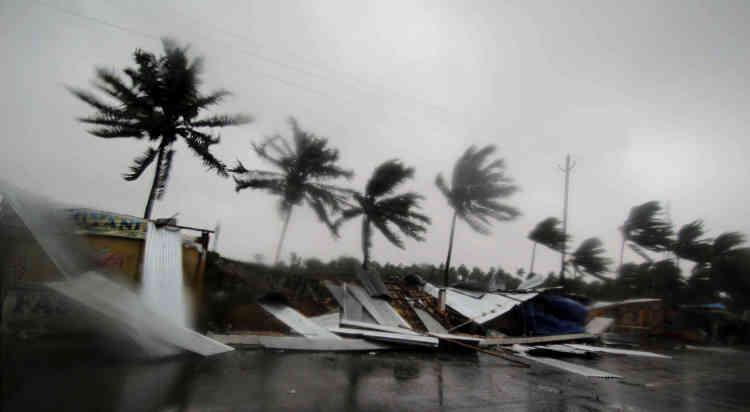 Le monstre météorologique, avec des vents dépassant 200km/h, a touché l'est de l'Inde, dont la ville de Puri, vendredi, dans l'Etat de l'Odisha (46 millions d'habitants).