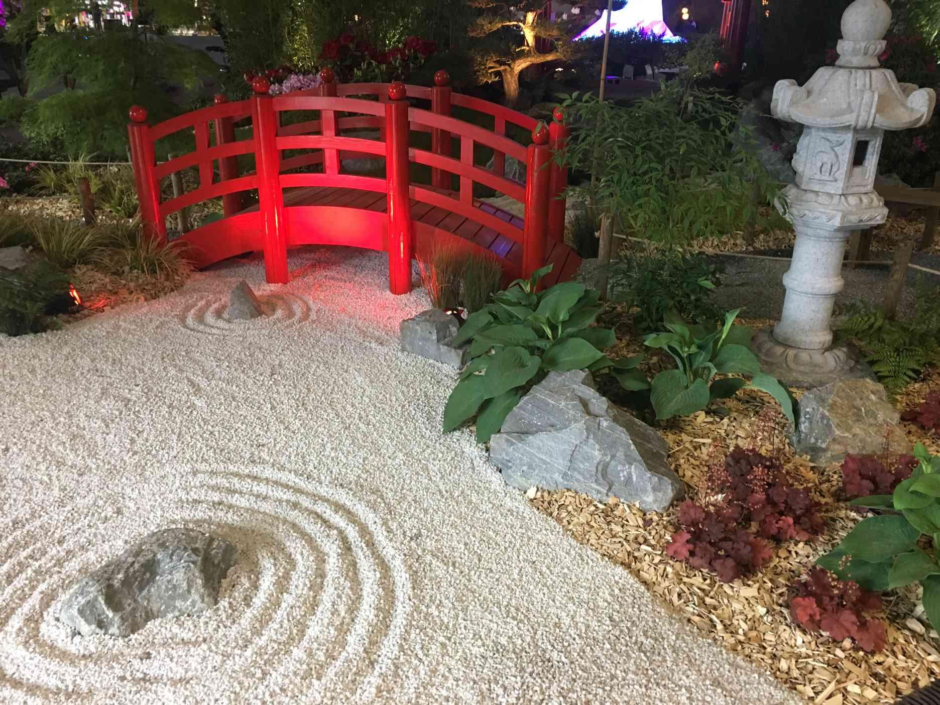 A Nantes, les Floralies se visitent en mai, et le Jardin des ...