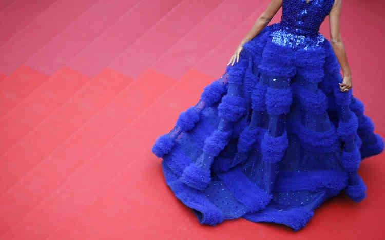 Les robes font également partie du spectacle, comme celle de Farhana Bodi.