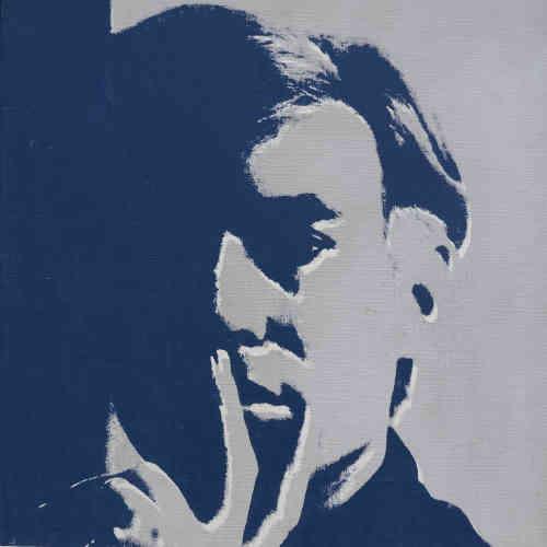 «Véritable terrain d'expérimentation pour les artistes, l'autoportrait offre une multitude de possibilités formelles, et permet notamment d'étudier les effets de clair-obscur. Ici, le procédé sérigraphique utilisé par Andy Warhol accentue le jeu d'ombre et de lumière, allant jusqu'à l'éviction partielle de son visage.»