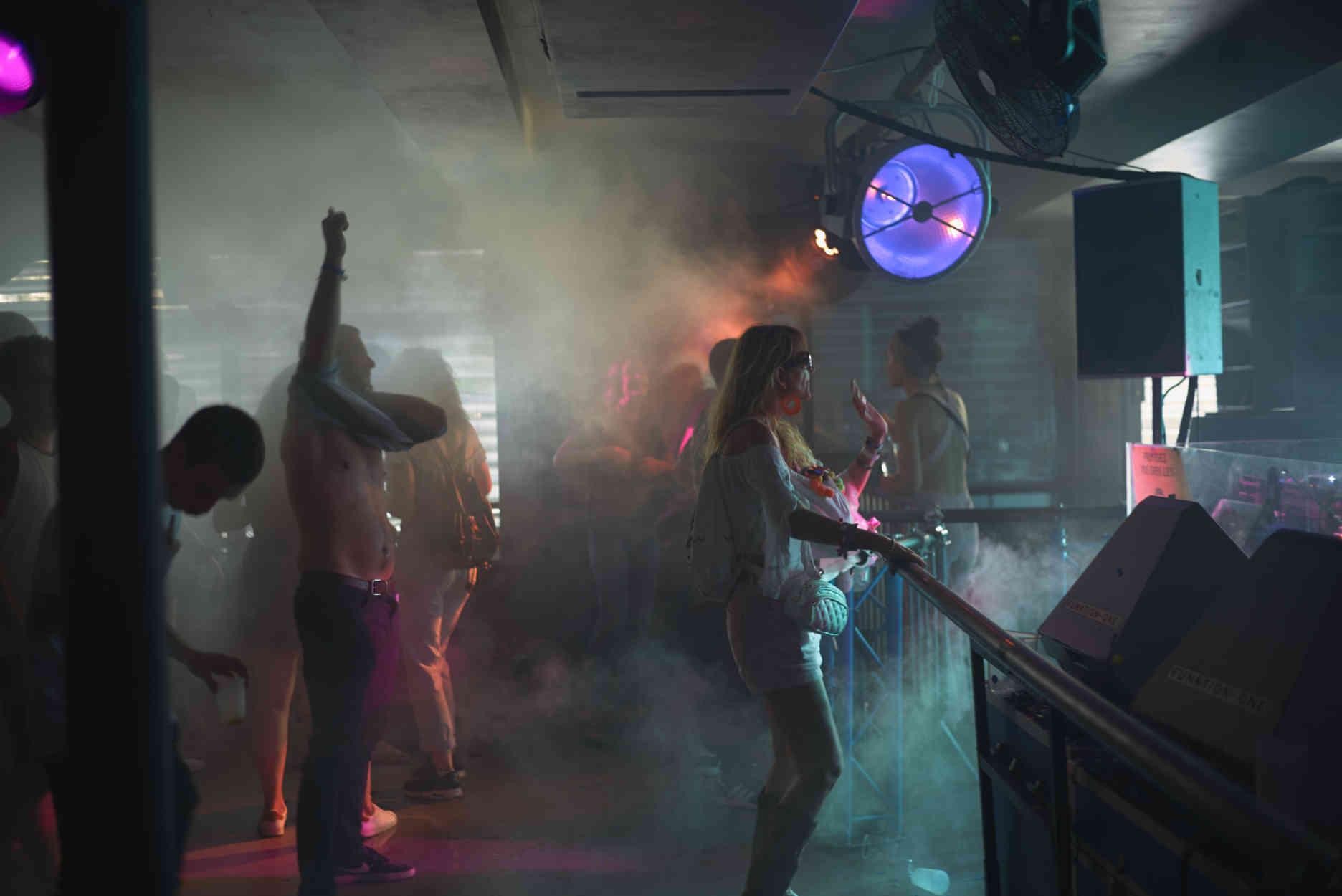 A Paris, 55heures de fête au club électro Concrete, pour son dernier week-end