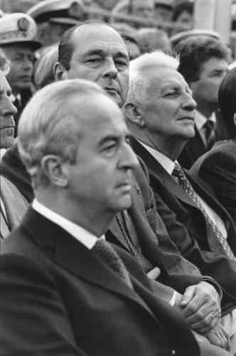 Lors de l'inauguration du parte-avions« Charles-de-Gaulle», en mai 1994, avec Edouard Balladur.