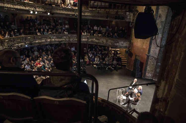 Le négociateur en chef du Brexit pour l'Union européenne, Michel Barnier, fait salle comble au Théâtre des Bouffes du Nord, samedi 5 octobre 2019.