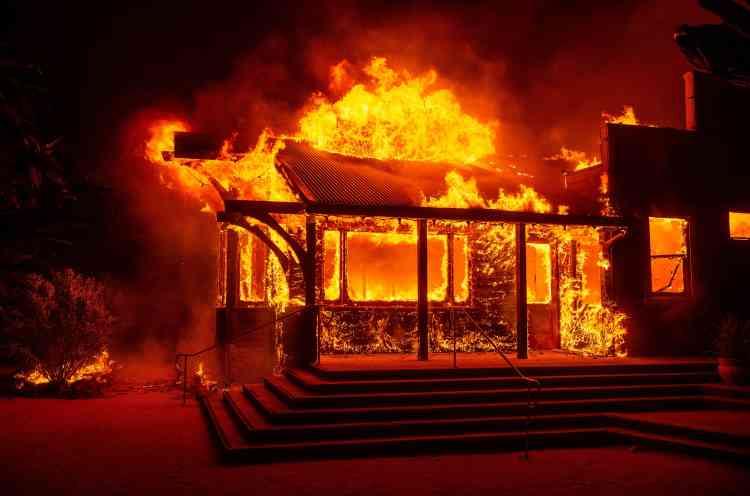 Malheureusement pour les pompiers, la semaine à venir s'annonce tout aussi sèche que le week-end.