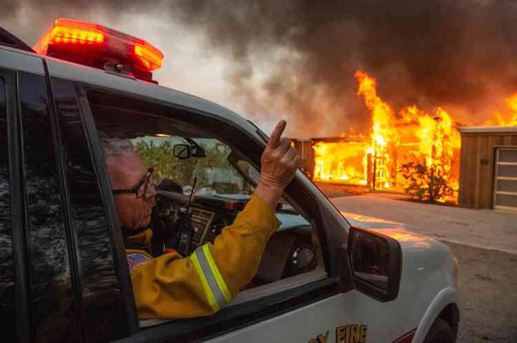 Selon les pompiers, 94 immeubles ont été détruits par les flammes.