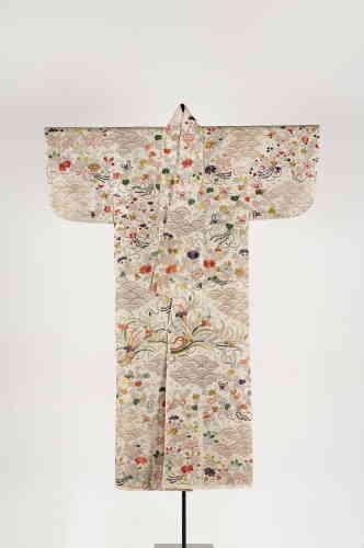 «L'exposition est complétée par de nombreux objets d'art de l'époque Edo (1600-1868), provenant de musées français et de collections particulières.»