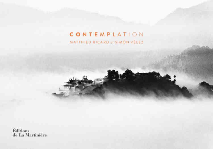 Bienveillance, altruisme, contemplation, pleine conscience: à travers 40 clichés en noir et blanc, le moine bouddhiste et photographe Matthieu Ricard, qui vit depuis presque cinquante ans dans l'Himalaya, joue avec la lumière et ses reflets pour mieux valoriser ses rencontres. Des portraits emprunts de spiritualité, des paysages qui constituent un véritable hymne à la poésie et à la méditation. Une sélection de pensées viennent ponctuer cet album d'images: sous la forme d'un carnet, il vient compléter un autre livre paru chez le même éditeur, «Emerveillement» qui, en 216 pages, réunit cent photos en couleurs sur le thème de la nature.