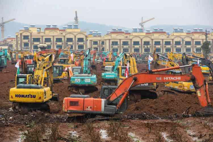 Lors de l'épidémie du SRAS en 2003, la Chine avait également construit un hôpital en une semaine à Pékin.