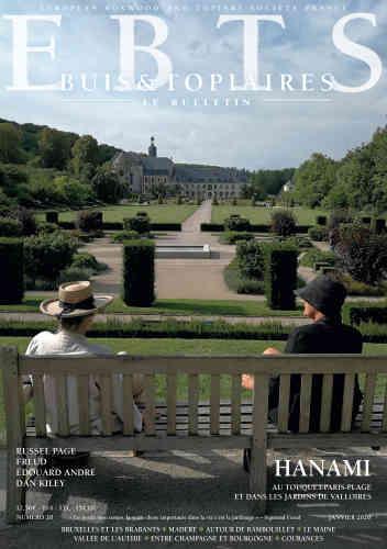 La revue de l'European Boxwood and Topiary Society (EBTS) n'est pas seulement le bulletin de liaison des propriétaires de jardins de topiaires et de buis. Si elle met en valeur de magnifiques propriétés visitées par ses membres, elle éclaire également dans sa dernière livraison l'œuvrede paysagistes comme Edouard André (par l'historienne des jardins Stéphanie de Courtois), le Belge René Pechère (par l'historienne Patricia Bouchenot-Déchin) ou le Britannique Russell Page (par le paysagiste Nicholas Tomlan). Le texte d'une conférence de l'historienne des jardins Monique Mosserfait le point sur« les enjeux de la recherche et la diffusion des connaissances».