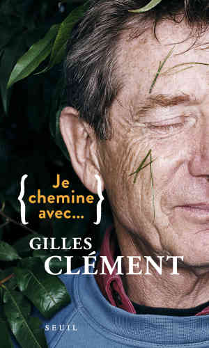 Se décrivant comme « jardinier», Gilles Clément, dont la notoriété s'étend bien au-delà de la Creuse, où il a construit lui-même sa maison,estentomologiste de terrain, ingénieur horticole, paysagiste, enseignant, écrivain – et même un peu artiste. Le Jardin en mouvement du parc André-Citroën, celui du Musée du Quai-Branly ou ceux du Rayol, dans le Var, figurent parmi ses réalisations les plus connues. Il se raconte dans ce petit livre conçu comme une conversation à hauteur d'homme, où la simplicité et la proximité du propos sur le vivant ou les modèles économiques dominants qui le menacent ont comme la force de l'évidence.