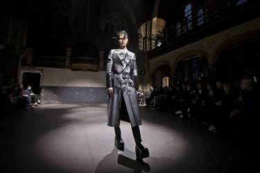 A model wears a design during the Alexander McQueen show during London Collections for Men Autumn/Winter 2014, at the Welsh Chapel in central London, Tuesday, Jan. 7, 2014. (Photo by Joel Ryan/Invision/AP)