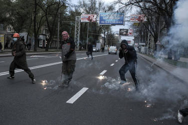 Pro-Russian activists appeared and attacked as pro-Ukrainian protesters tried to march in downtown of Donetsk, Eastern Ukraine.