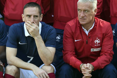 (From L) France's national football team midfielder Franck Ribery and France's head coach Didier Deschamps pose for a team group photo at the French national football team's training base in Clairefontaine-en-Yvelines, outside Paris, on June 6, 2014, during France's national football team's preparation for the upcoming FIFA 2014 World Cup in Brazil. AFP PHOTO / FRANCK FIFE