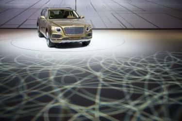 Bentley fait aussi ce pari, qui compte sur la Bentayga pour augmenter de 50 % sa production dès cette année