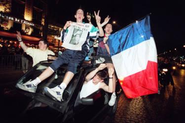 Le 7 mai 1995, avec 52,6 % des suffrages, il devient, à 62 ans, le 22e président de la République en France, après une campagne menée sur le thème de la fracture sociale.