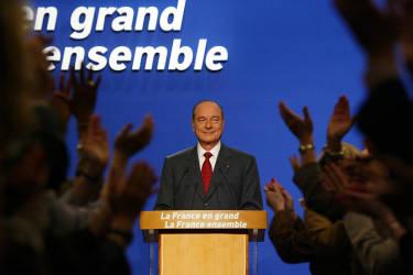 Il est rééluprésident de la Républiquele 5 mai 2002après une campagne menée sur la sécurité. Il est confronté, au second tour, à Jean-Marie Le Pen et obtient 82,21 % des voix.