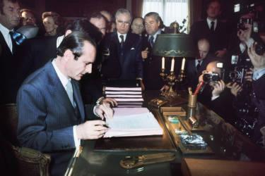 Le 25 mars 1977, il devient maire de Paris et conservera les clés de l'Hôtel de Ville pendant dix-huit ans.